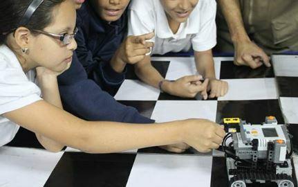 Los de primaria y secundaria ocuparan en el futuro trabajos todavía no inventados