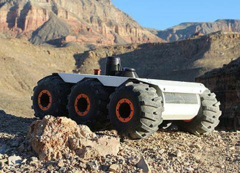 El robot explorador M6 UGV que logra moverse por cualquier superficie